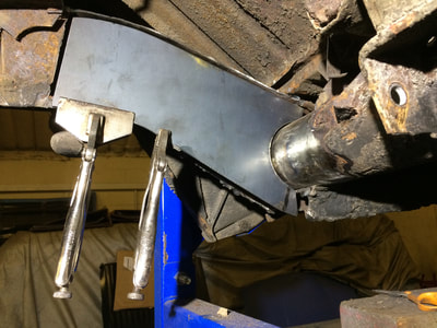 VW t2 early bay chassis rear axle repair section going in