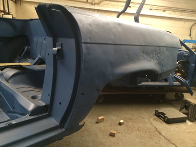 Mercedes 350SL restoration project rear quarter panel